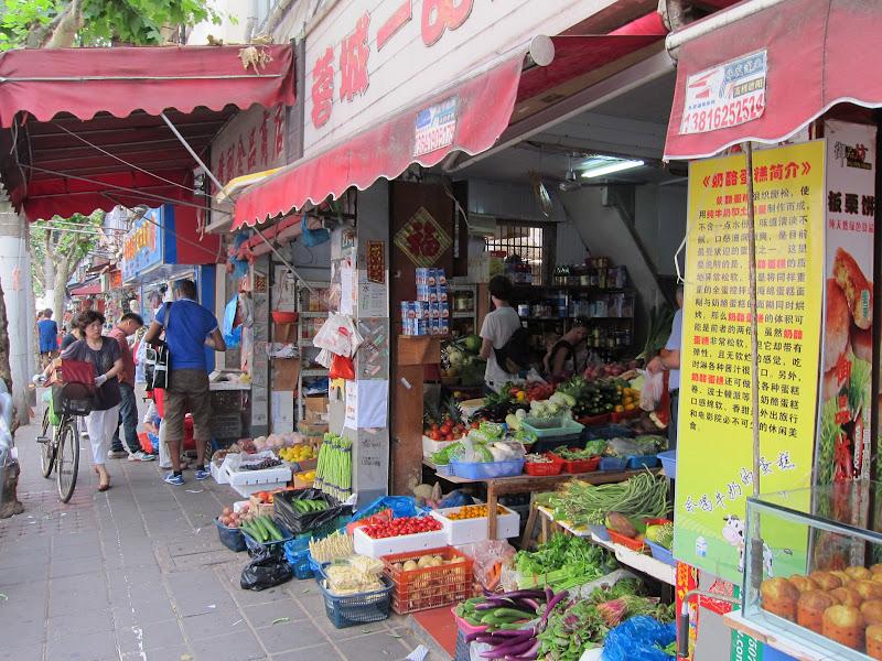 Şanghay'ın Avokadocu Teyzesi (Avocado Lady)