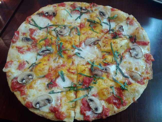 Şanghay\'da Pizza Makarna (California Pizza Kitchen)