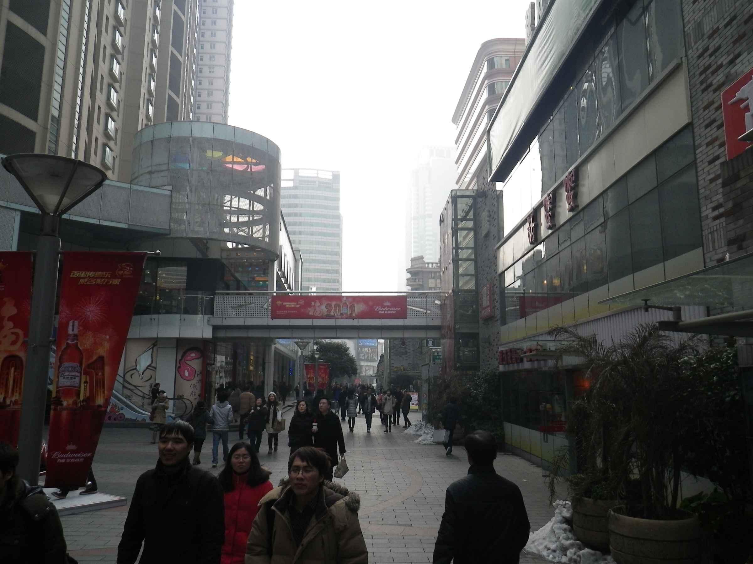 Şanghay\'da Alternatif Fast Food (Carl\'s Jr.)