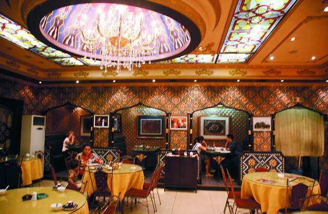 Şanghay'da Uygur Lokantası (YaKeXi)